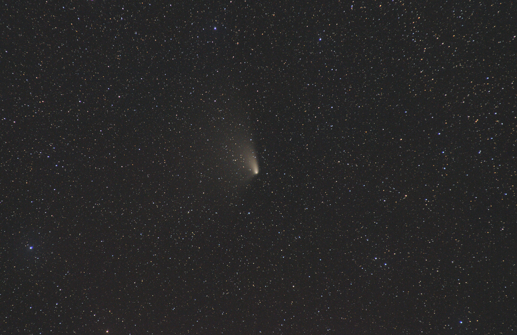 Comet PanSTARRS C/2011 L4 with DSLR